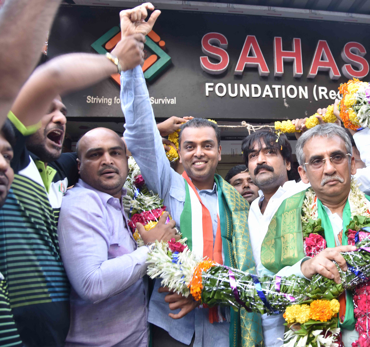 Mumbai South LS Congress-NCP Candidate Milind Deora during his Election Campaign Rally at Kamathipura.