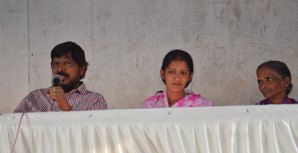RPI LEADER & EX.MP.RAMDAS ATHAWALE &  ANITA SALVI PRESS CONFERENCE AT RPI PARTY OFFICE CST.