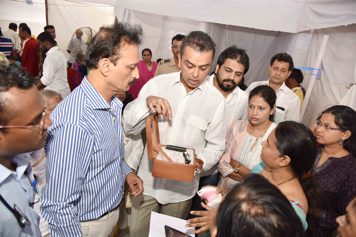 South Mumbai Congress Party Ex.Union Minister Milind Deora during Medical Camp at Machhimar Nagar Colaba.