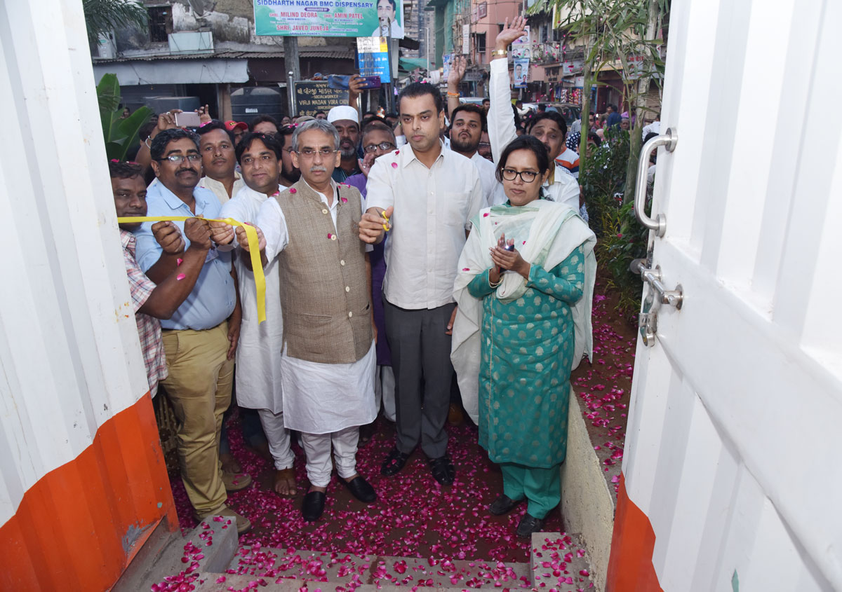 Ex.MP MIlind Deora Inaugurates various completed works from MLA Funds in Kamathhipura
