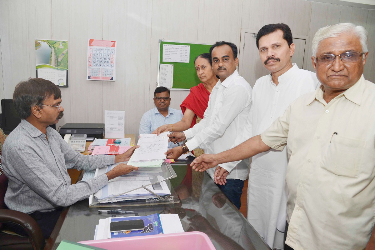 Kapil Patil, Jalindar Sarode submits Nomination Forms.