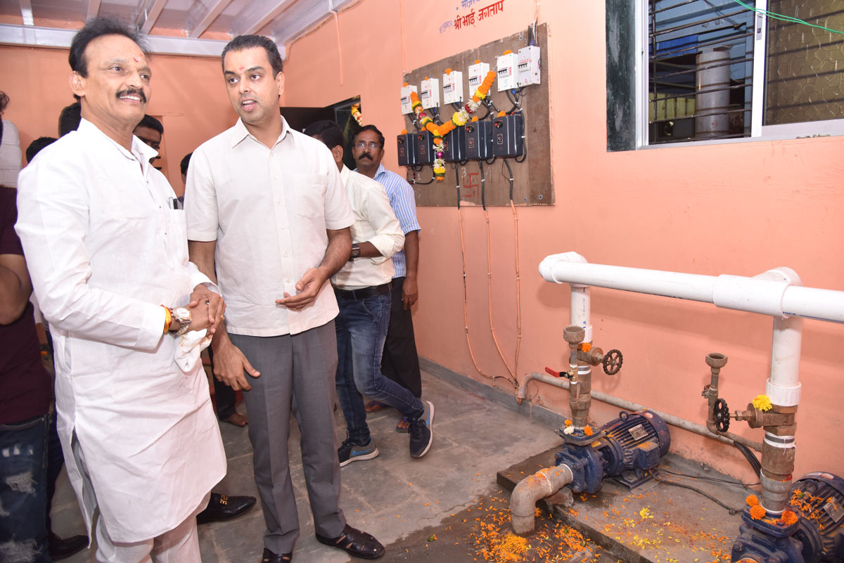 Ex.MP MIlind Deora Inaugurates various completed works from MLA Bhai Jagtap Funds in Colaba.