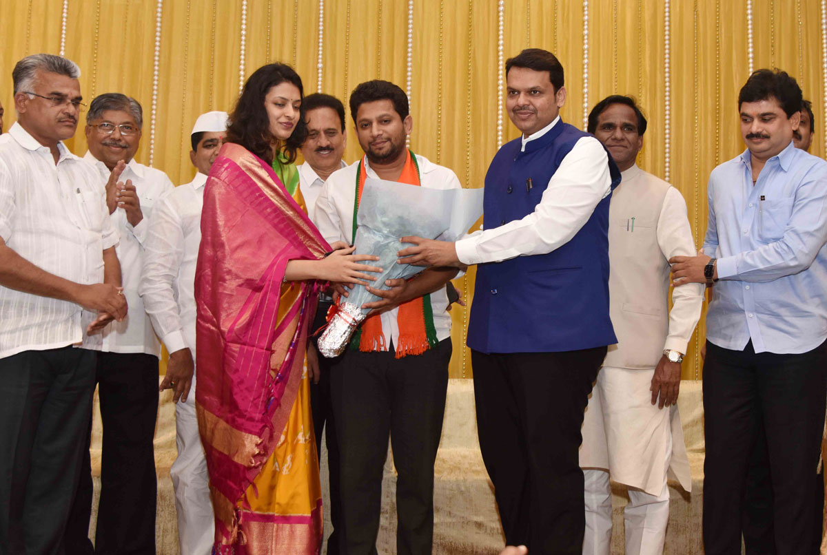 Dr.Sujay Vikhe Patil Joins BJP Party in Chief Presence of CM Devendra Fadnavis.