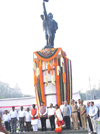 Chief Minister Devendra Fadnavis & Mumbai Mayor Vishwanath Mahadeshwar Paying Tribute at Hutatama Chowk on Kranti Din.